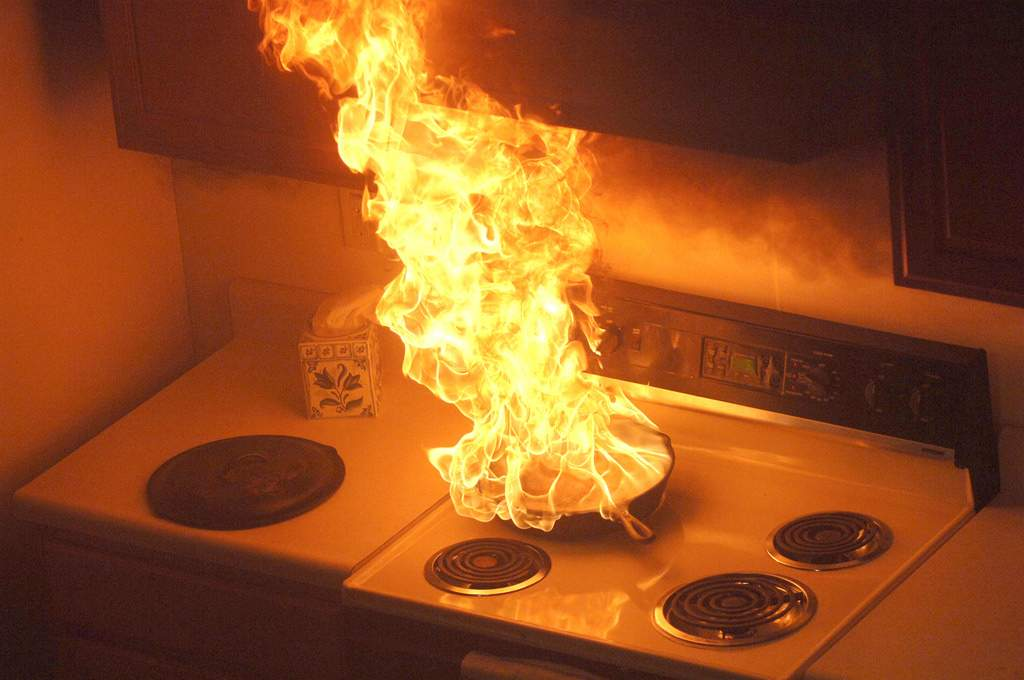 Cooking pan kitchen fire Abbotts Fire and Flood Colorado